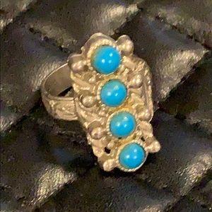 Vintage 1960-70s Boho Turquoise Stone Tribal Ring